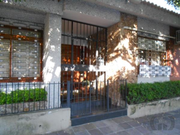 Casa de 4 dormitórios em Auxiliadora, Porto Alegre - RS