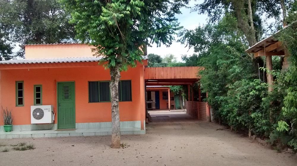 Casa de 3 dormitórios em Lami, Porto Alegre - RS