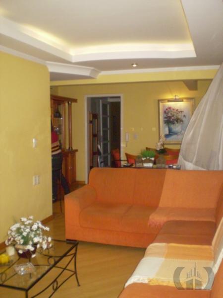 Apartamento de 3 dormitórios à venda em Medianeira, Porto Alegre - RS