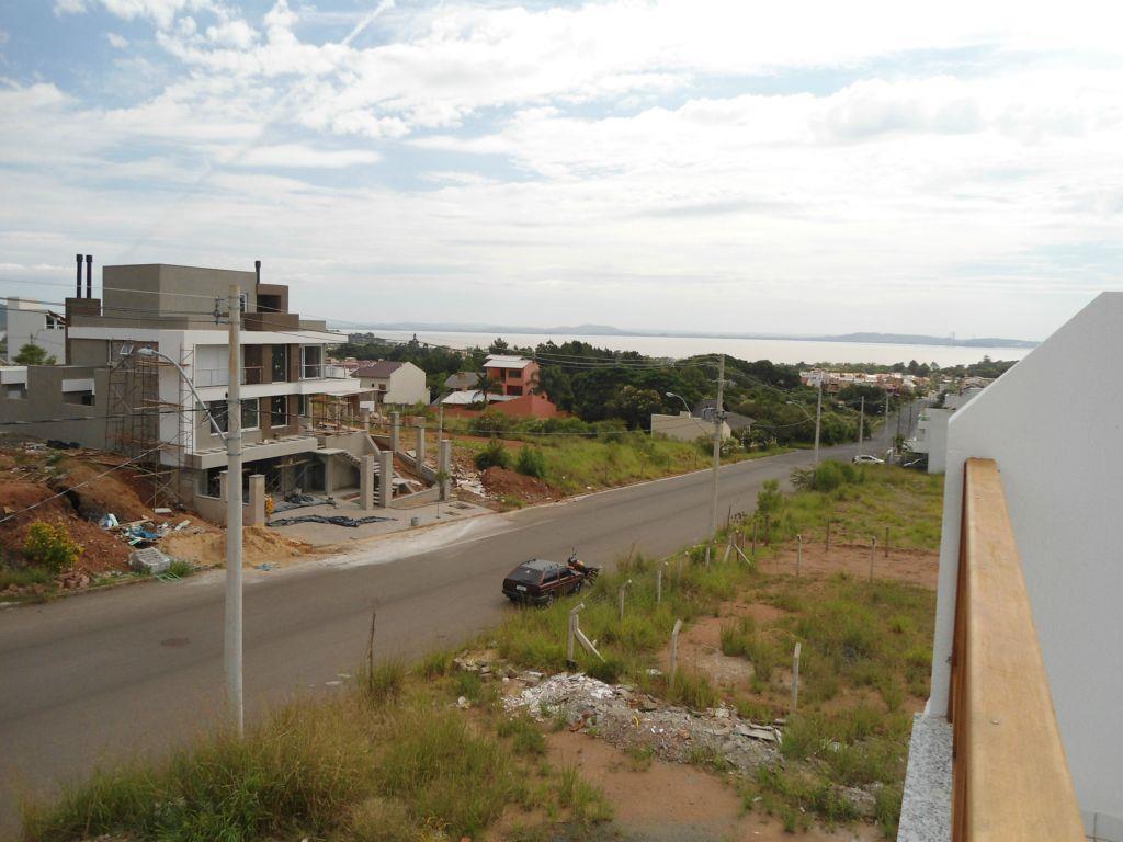 Sobrado de 3 dormitórios em Espírito Santo, Porto Alegre - RS