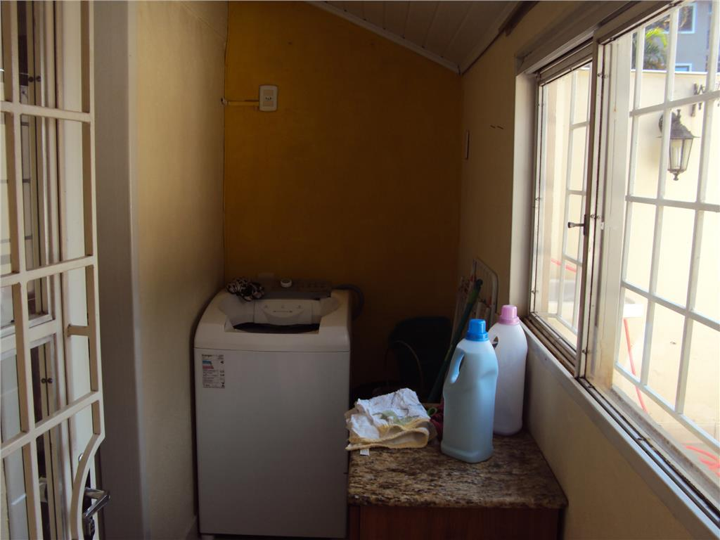 Casa de 3 dormitórios à venda em Cavalhada, Porto Alegre - RS
