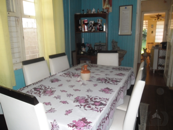 Casa de 2 dormitórios em Camaquã, Porto Alegre - RS