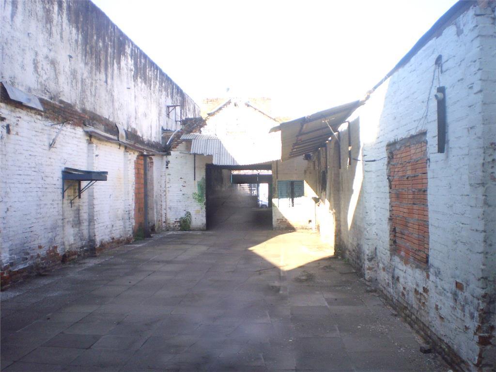 Pavilhão em Floresta, Porto Alegre - RS