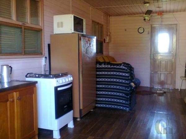 Casa de 2 dormitórios em Ponta Grossa, Porto Alegre - RS
