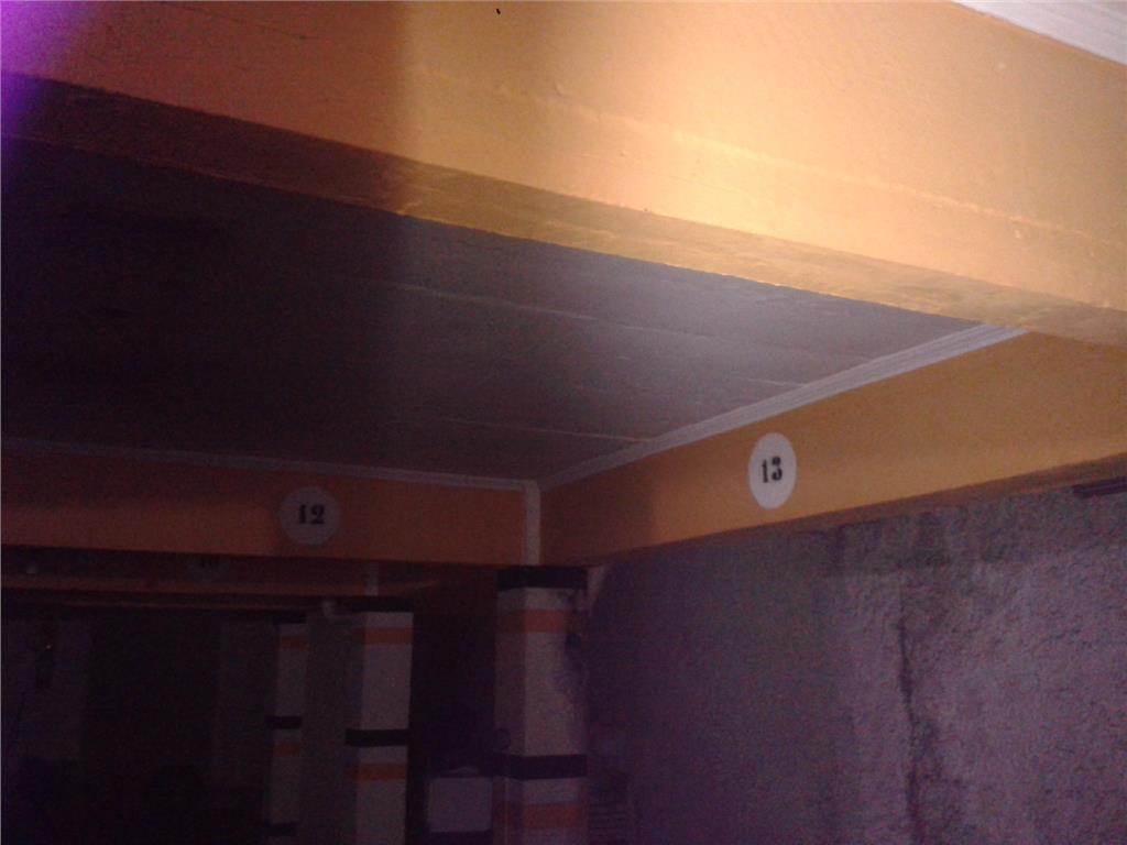 Mais 2 foto(s) de BOX - PORTO ALEGRE, Petropolis