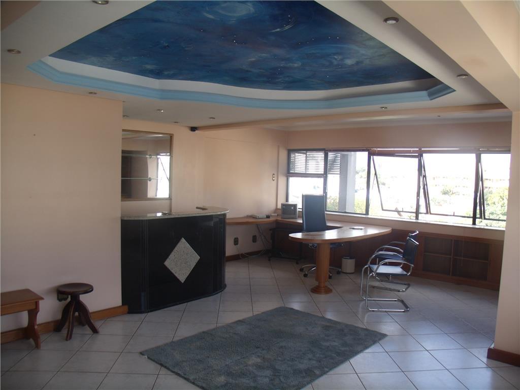Sala à venda em Centro, Esteio - RS