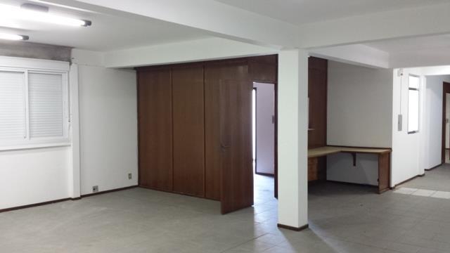 Prédio em Rio Branco, Canoas - RS