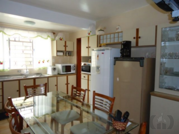 Sobrado de 4 dormitórios à venda em Nossa Senhora Das Graças, Canoas - RS