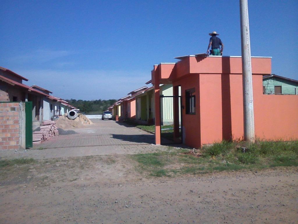 Casa de 2 dormitórios em Berto Círio, Nova Santa Rita - RS
