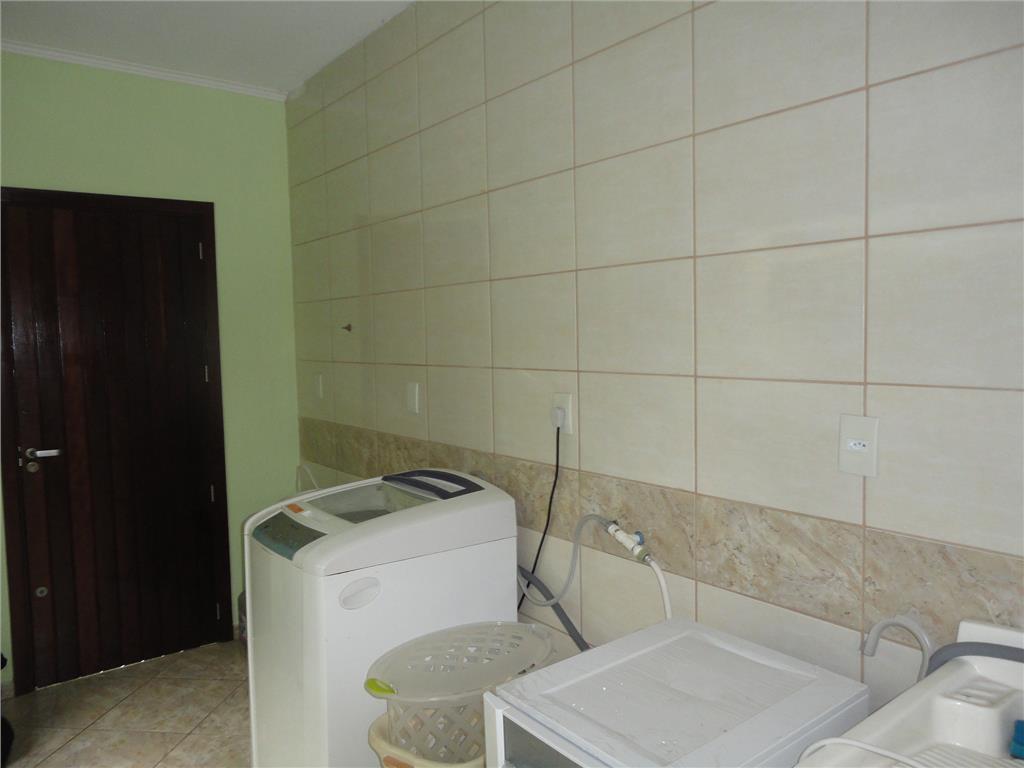 Sobrado de 4 dormitórios à venda em São José, Canoas - RS