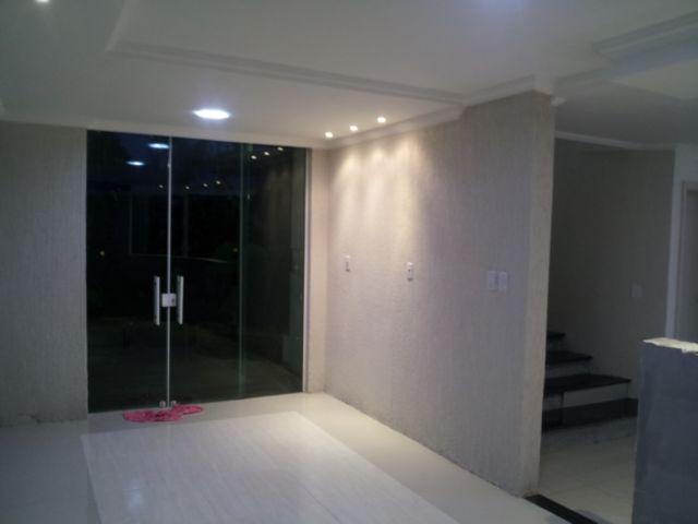 Sobrado de 4 dormitórios à venda em Niterói, Canoas - RS