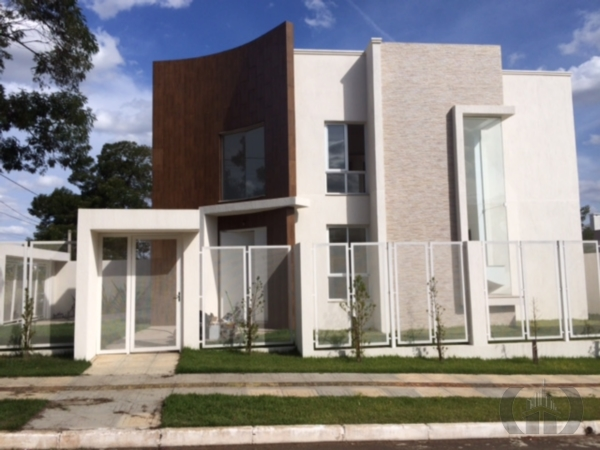Casa de 3 dormitórios em Nossa Senhora Das Graças, Canoas - RS
