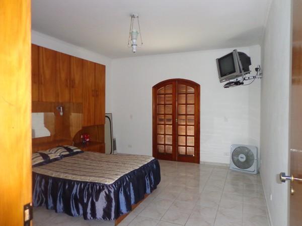 Sobrado de 4 dormitórios em Vila Ema, São Paulo - SP