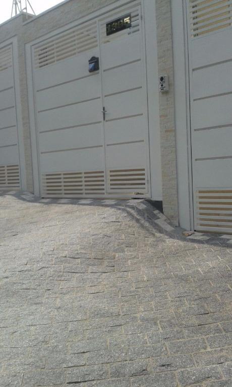 Sobrado de 3 dormitórios em Vila Carrão, São Paulo - SP