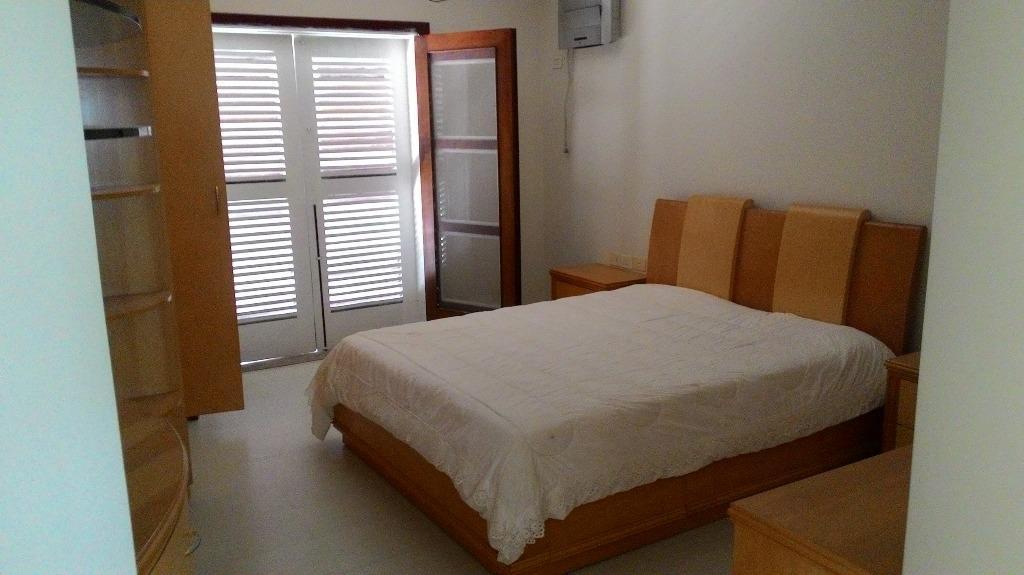 Sobrado de 4 dormitórios em Caputera, Arujá - SP