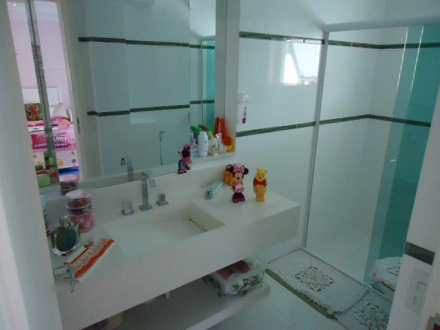Sobrado de 5 dormitórios em Condomínio Iolanda, Taboão Da Serra - SP