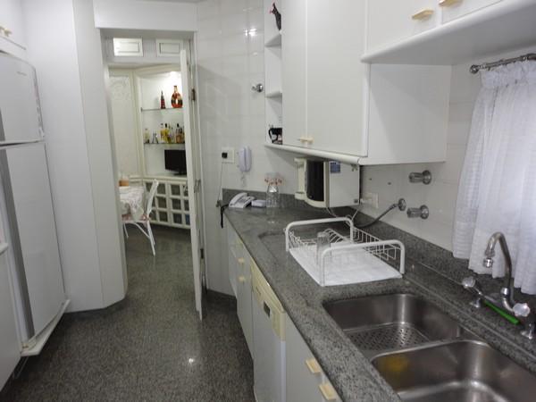 Apartamento de 4 dormitórios em Água Rasa, São Paulo - SP