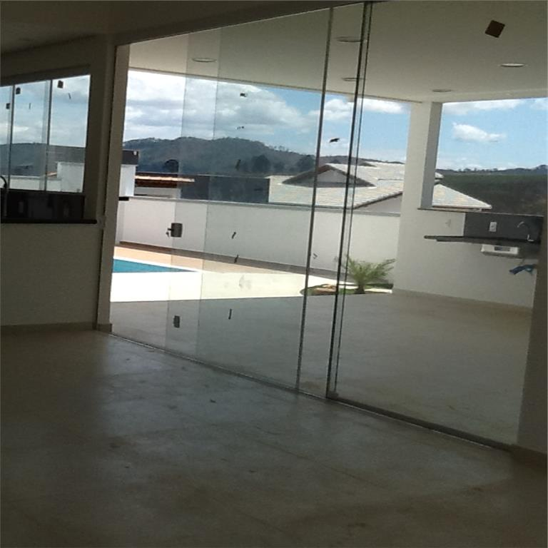 Casa de 3 dormitórios em Tanque, Atibaia - SP