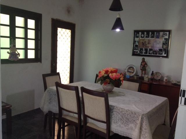Casa de 3 dormitórios em Vila Carrão, São Paulo - SP
