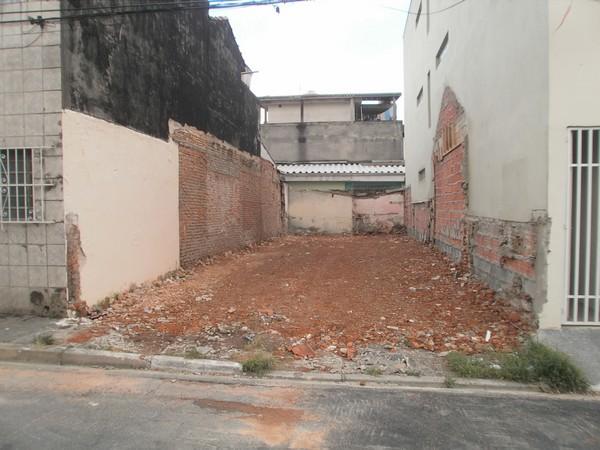 Terreno em Carrão, São Paulo - SP