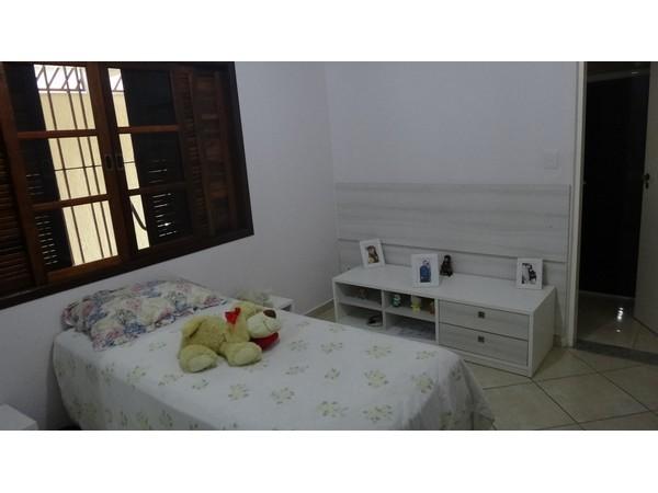 Sobrado de 4 dormitórios à venda em Itaim Paulista, São Paulo - SP