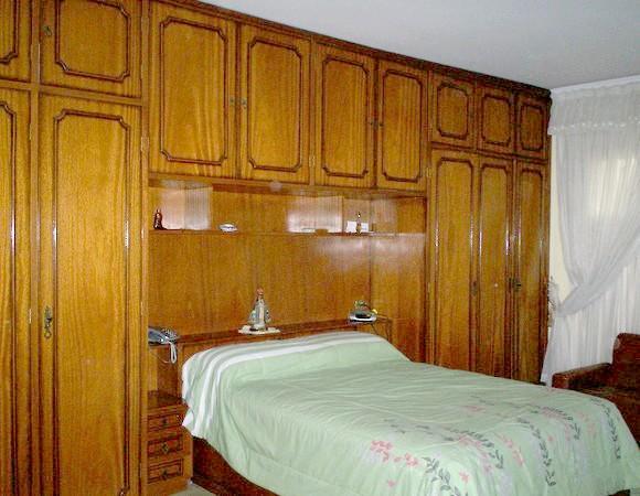 Sobrado de 4 dormitórios à venda em Vila Antonieta, São Paulo - SP