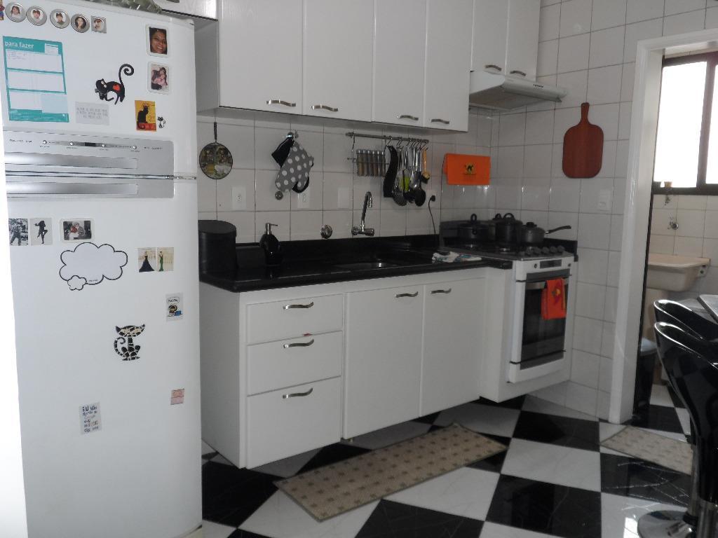 Apartamento de 3 dormitórios em Vila Regente Feijó, São Paulo - SP