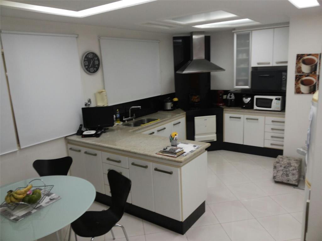 Casa de 4 dormitórios à venda em Jardim Textil, São Paulo - SP
