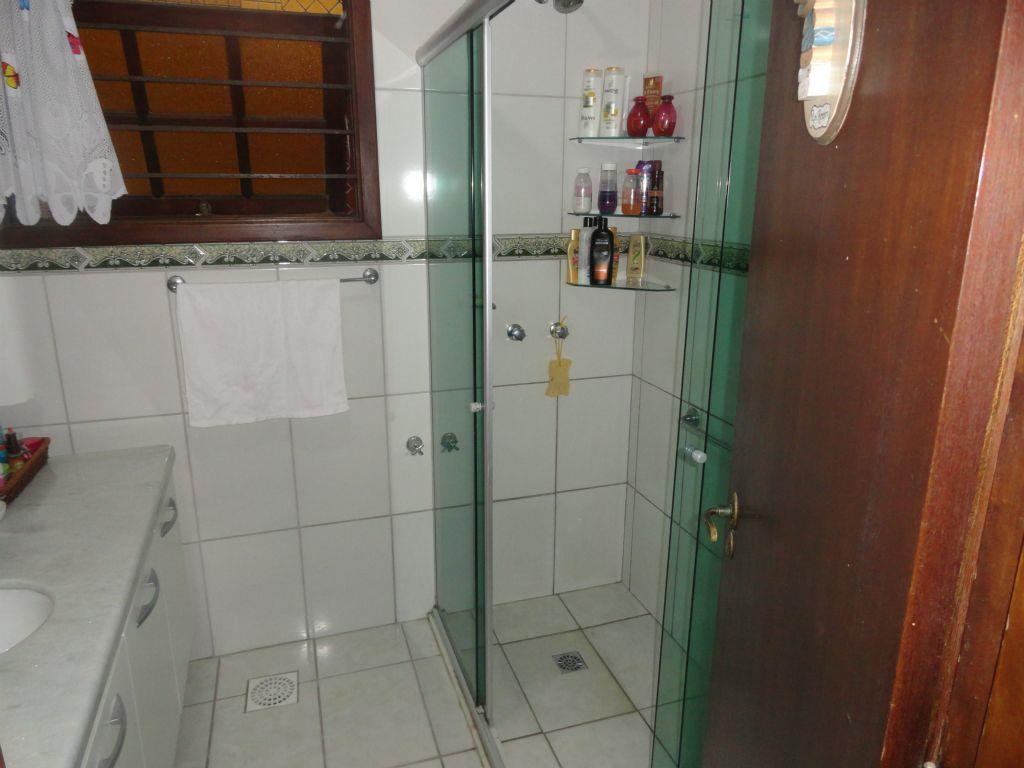Casa de 3 dormitórios em Jardim Botânico, Porto Alegre - RS