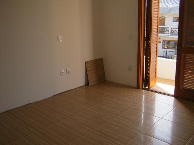 Casa de 3 dormitórios à venda em Vila Nova, Porto Alegre - RS