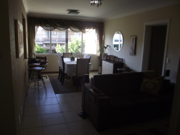 Apartamento de 3 dormitórios em São Geraldo, Porto Alegre - RS