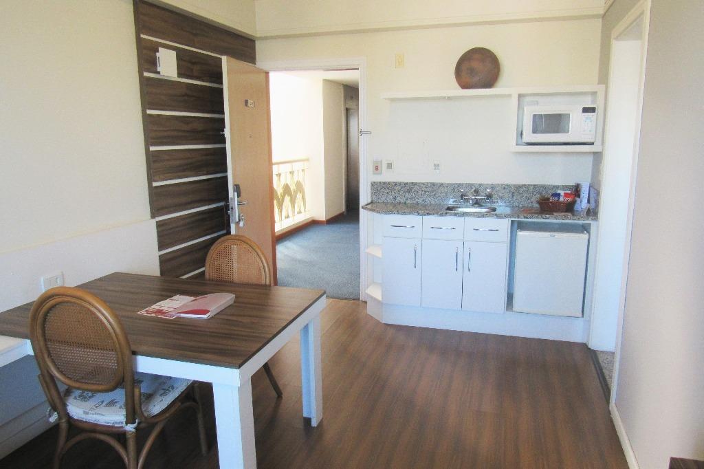 Flat de 1 dormitório em Floresta, Porto Alegre - RS
