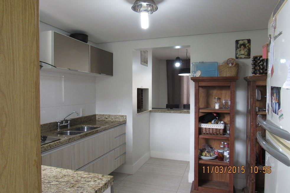 Casa de 4 dormitórios em Mário Quintana, Porto Alegre - RS