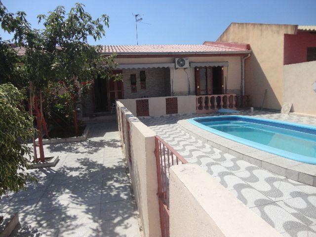 Casa de 3 dormitórios em Parque Santo Inácio, Esteio - RS