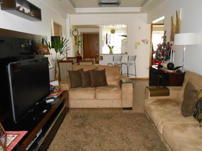 Apartamento de 2 dormitórios em Auxiliadora, Porto Alegre - RS