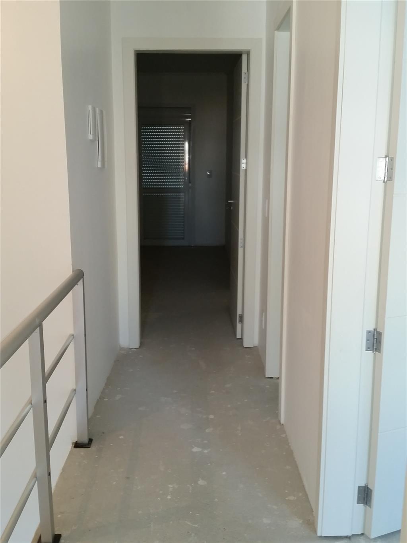 Sobrado de 4 dormitórios em Aberta Dos Morros, Porto Alegre - RS