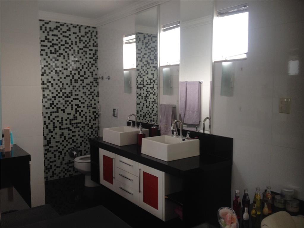 Casa de 3 dormitórios em Km 3, Santa Maria - RS
