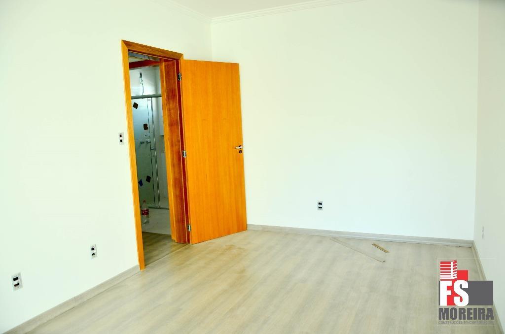 Casa de 3 dormitórios em Camobi, Santa Maria - RS