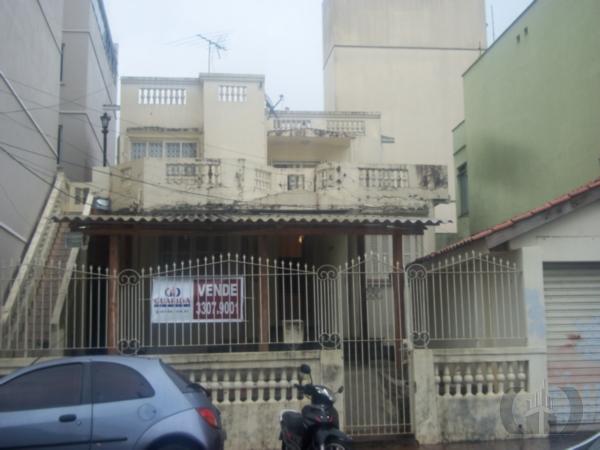 Casa de 6 dormitórios em Centro, Santa Maria - RS