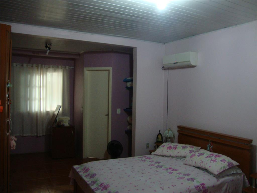 Casa de 5 dormitórios em Juscelino Kubitschek, Santa Maria - RS