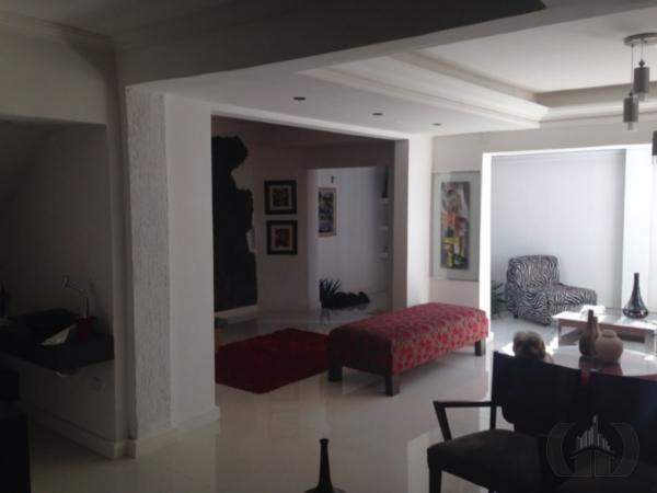 Casa de 3 dormitórios em Centro, Santa Maria - RS