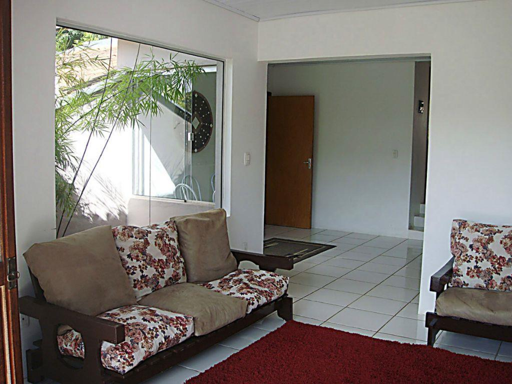 Casa de 3 dormitórios em Floresta, Estância Velha - RS