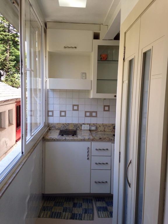 Apartamento de 2 dormitórios em Moinhos De Vento, Porto Alegre - RS