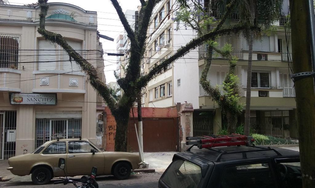 Terreno à venda em Independência, Porto Alegre - RS