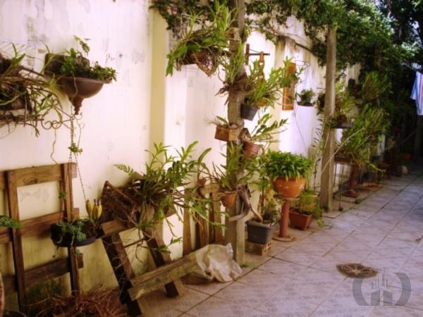 Casa de 3 dormitórios à venda em Floresta, Porto Alegre - RS