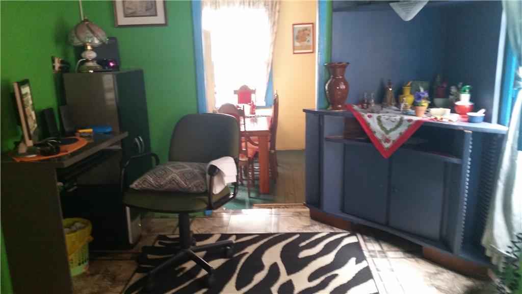 Casa de 2 dormitórios em Medianeira, Porto Alegre - RS