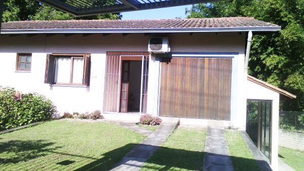 Casa de 3 dormitórios em Vila Nova, Porto Alegre - RS