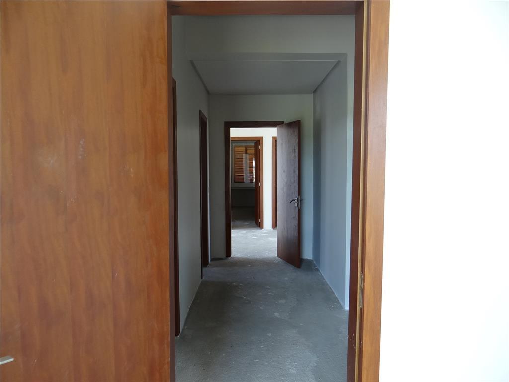 Casa de 4 dormitórios em Belém Novo, Porto Alegre - RS