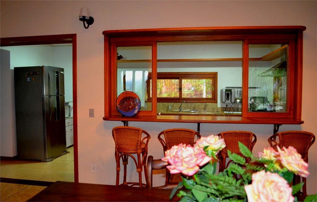 Casa de 4 dormitórios à venda em Vila Nova, Porto Alegre - RS