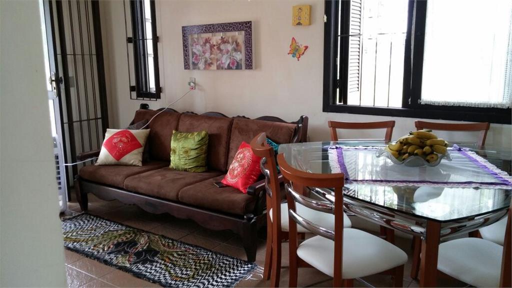 Casa de 1 dormitório em Condomínio Conjunto Residencial Morada Camélias, Capão Novo - RS